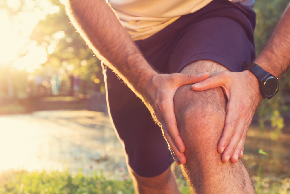 athlete and knee injury